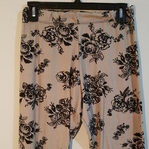 Rue 21 rose print stretch leggings L/XL